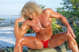 mature-muscle-nude