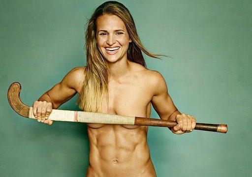 nude-sportswoman